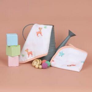 Kicks & Crawl- Crawling Cuties Reversible Organic wash Cloth (Pack of 2)