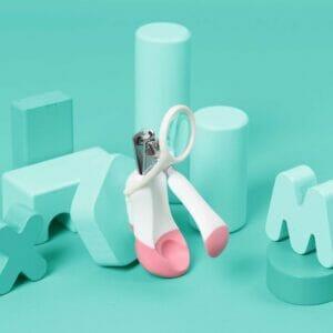 Kicks & Crawl- Baby Pink Nail Cutter with Magnifier